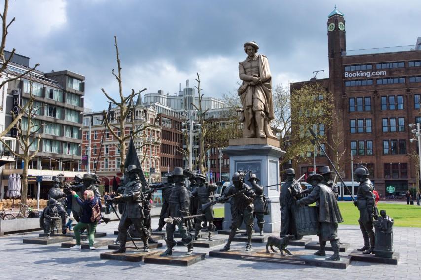 La plaza de Rembrandtplein en Ámsterdam