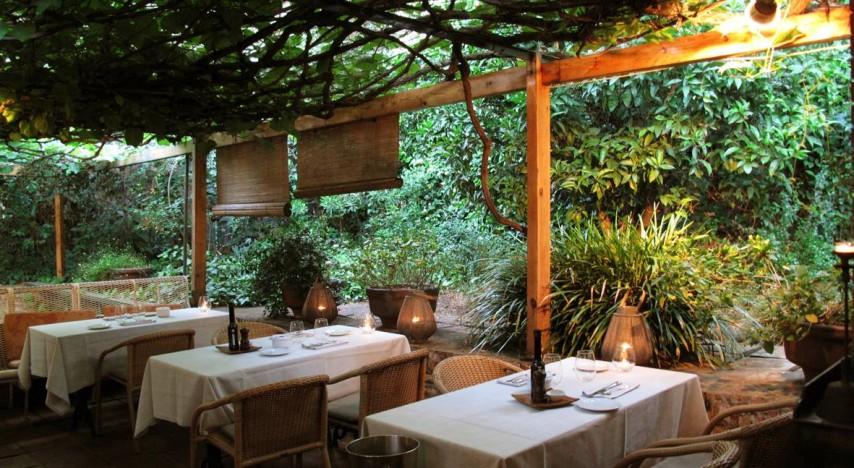 Sorprende con una cena rom ntica en alguno de estos for Muebles terraza barcelona