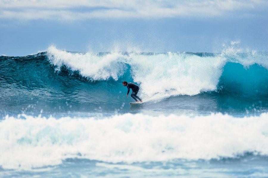 Las mejores playas para hacer surf en Canarias